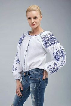 Authentic Folk Woman's Blouse Ukrainian by UkrainianArtsCrafts Embroidered Clothes, Embroidered Blouse, Ethnic Fashion, Boho Fashion, Ethno Style, Sewing Blouses, Embroidery Suits Design, Boho Tops, Boho Outfits