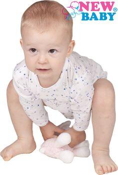Krásné klasické kojenecké body New Baby Classic II. Body je jednobarevné s hvězdičkami. Zapíná se na cvočky po celé délce a mezi nožičkami, což usnadňuje oblékání a přebalování. Body je vyrobené z příjemňoučkého, měkoučkého a kvalitního materiálu, ve kterém se miminko bude cítit velmi pohodlně. Pro New Baby je velmi důležitá spokojenost zákazníka a právě proto vám nabízíme naši novou kvalitní kolekci Classic II. Složení: 100% bavlna. New Baby Products, Children, Classic, Boys, Kids, Big Kids, Classical Music, Children's Comics, Sons