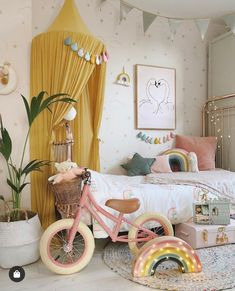 La déco chat dans une chambre d'enfant – Joli Place More mustard and blush, but upstairs today, with lots of her (MY) favourite things and a touch of rust and natural tones. Our house is full…