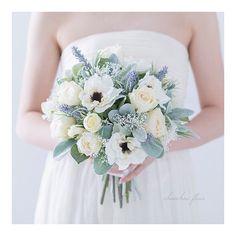 Bridal Bouquet Blue, Bridal Flowers, Wedding Bouquets, Wedding Dresses, Wedding Themes, Dried Flowers, Floral Wedding, Fashion, Bouquets