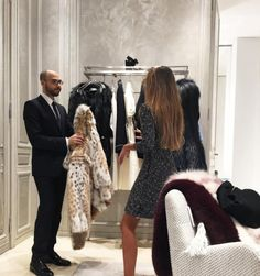 """Find and save images from the """"Luxury living ♔"""" collection by Wiwwi ♛ (phW_) on We Heart It, your everyday app to get lost in what you love. Vanessa Moe, Rich Girls, Luxury Girl, Rich Lifestyle, Luxury Lifestyle Women, Mode Chic, Glamour, Fashion Moda, Aesthetic Girl"""