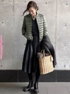 Pin by 博美 三田 on ひろお好み in 2020 Skirt Fashion, Fashion Outfits, Womens Fashion, Fall Winter Outfits, Autumn Winter Fashion, Elegantes Outfit Frau, Tokyo Street Style, Japan Fashion, Mode Outfits