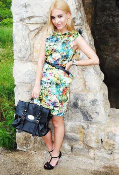 Vestido de flores trendy y formal, ideal para el trabajo