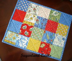 quilt patterns for placemats | American Vintage Quilts: Sew Charming Placemats and Tutorial Quilted Placemat Patterns, Fabric Placemats, Mug Rug Patterns, Quilted Potholders, Table Runner And Placemats, Quilted Table Runners, Quilt Patterns Free, Bag Patterns, Monochromatic Quilt