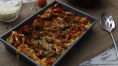 Last-Minute Lasagna. Love this easy recipe. I add 2 thinly sliced zucchini. Easy Pasta Recipes, Side Recipes, New Recipes, Baking Recipes, Easy Meals, Favorite Recipes, Lasagna Recipes, Baking Pan, Traditional Lasagna
