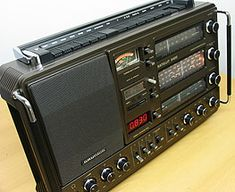 Radios, Audiophile Speakers, Wireless Speakers, World Radio, Radio Design, Hi Fi System, Digital Radio, Good Old Times, Antique Radio