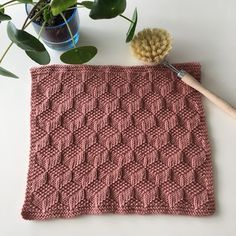 Sommerfuglen: Opskrift på karklud med 3D mønster Knitting Books, Knitting Stitches, Knitting Projects, Afghan Crochet Patterns, Knitting Patterns Free, Free Knitting, Knitted Headband Free Pattern, Diy Crafts How To Make, Manta Crochet