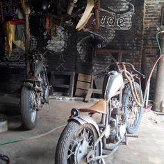 Mati suri  #rumahmodifikasi  #bondfree  #bordtracker  #kz200indonesia  #chopperindonesia  #castempart  #handmade  #karat Chopper, Motorcycle, Bike, Vehicles, Handmade, Instagram, Bicycle, Hand Made, Rolling Stock