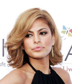 Eva Mendes pageboy. Yes.