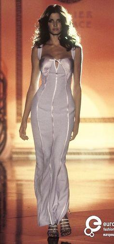 Stephanie Seymour - Atelier Versace Couture, 1995