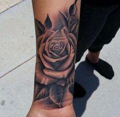 30 besten schwarzen Rose Tattoos - Kunst - Tattoo Designs For Women Wrist Tattoo Cover Up, Rose Tattoos On Wrist, Black Rose Tattoos, Wrist Tattoos For Women, Tattoo Women, Tattoos For Guys, Cover Up Tattoos For Women, Tattoo Cover Ups, Rose Tattoo Forearm