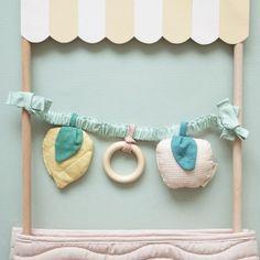 Nobodinoz - Trendmarke in Baby- und Kinderzimmern | littlehipstar Diy Bebe, Mint, Baby Couture, Baby Comforter, Baby Toys, Sewing, Frame, Fabric, Dream Catcher