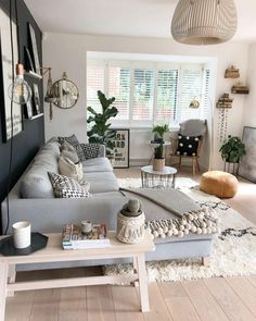 30 What is so fascinating about small apartment living room decor ideas and reno . - Fitness GYM 30 What is so fascinating about small apartment living room decor ideas and reno . Small Apartment Living, Small Living Rooms, Cozy Living, Simple Living, Neutral Living Rooms, Small Living Room Designs, Small Lounge Rooms, Small Living Dining, Family Apartment