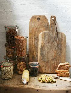 Pimp je houten snijplanken voor een robuust effect in de keuken - Roomed | roomed.nl