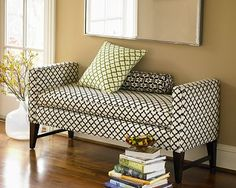 I could so use this bench! I LOVE the pattern and style. Maybe for my new house!!!