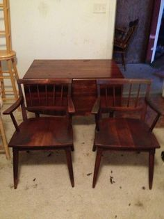 Willett Cherry Transitional Table And Chairs