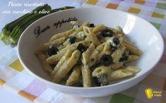 Pasta risottata con zucchine e olive (ricetta semplice). Ricetta per un primo facile e veloce adatto anche ai bambini, pasta cremosa cotta come un risotto