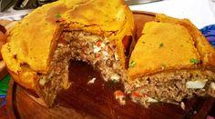 Empanada gallega con masa de pimentón