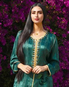 Moroccan Dress, Muslim Fashion, Traditional Dresses, Sari, Fashion Outfits, Inspiration, Clothes, Ideas, Caftans
