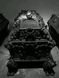 Ok, I'm pretty sure I'm going to design my own coffin..this helps with the inspiration process.
