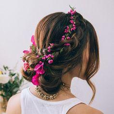 Daj się uwieść letnim trendom! Postaw na fryzury z kwiatami i zaurocz wszystkich dokoła siebie! - Strona 10