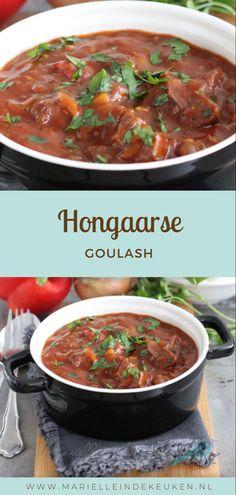 Heerlijke Hongaarse Goulash, makkelijk om te maken. Lekker met rijst of aardappelpuree. Slow Cooker Recipes, Cooking Recipes, Healthy Recipes, Goulash Slow Cooker, Confort Food, Multicooker, Dinner Is Served, Crock Pot Cooking, Other Recipes