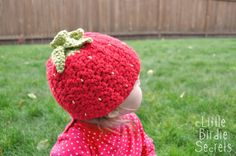 """Free pattern for """"Strawberry or Raspberry Hat"""" & there's a crochet hat head size chart!"""