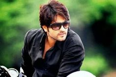 Ashish Sharma opposite Sanaya in Nautanki Telefilm's next Tv Actors, Actors & Actresses, New Shows, Mens Sunglasses, Handsome, Menswear, Sanaya Irani, Celebs, Casual