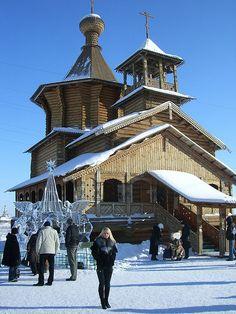 釘が一本も使われていないものも。ロシアの木造教会に感じる歴史と美しさ | roomie(ルーミー)