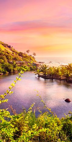 10 of the Top Beach Destinations in the World Beach Wallpaper, Cute Wallpaper Backgrounds, Iphone Wallpapers, Sustainable Tourism, Nature View, Great Paintings, Beach Tops, Destin Beach, Beautiful Places To Travel