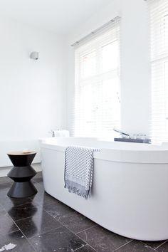Het liefst neem je deze badkamer urenlang in beslag om gebruik te maken van je heerlijkste verwenproducten.