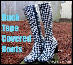 Duck Tape Covered Boots DIY Rain Boots I used Duck brand tape (about 3 at Michaels after coupon) in this cool houndstooth pattern to fix up my black boots that were starting to fall apart. Duct Tape Projects, Duck Tape Crafts, Diy Projects, Duct Tape Boots, Old Boots, Black Boots, Yellow Boots, Diy Clothing, Refashion