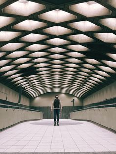 11 stations in the Montreal Metro urban photographers will love  http://townske.com/guide/12414/montreal-metro