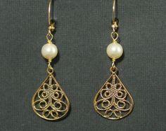 Demoiselles d'honneur or boucles d'oreilles - Bijoux de mariage, perles crème, Ivory Pearl, boucles d'oreilles or, filigrane d'or, or perles Dangles--Jenn