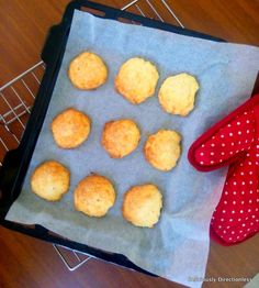 Deliciously Directionless: Fairtrade Products + an easy Recipe for Coconut Scones Delicious Desserts, Dessert Recipes, Coconut Recipes, Griddle Pan, Fair Trade, Scones, Sweet Tooth, Easy Meals, Products