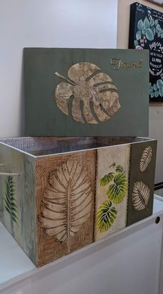 Tissue Box Covers, Tissue Boxes, Pallet Boxes, Decoupage Art, Stencils, Art Drawings, Diy And Crafts, Mixed Media, Decorative Boxes