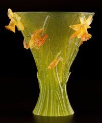 FROM THE ESTATE OF SHIRLEY JACOBS ALTER  DAUM FRERES Vase aux Jonquilles (Daffodil Vase) in natur