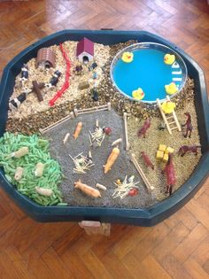Farm small world- Could use this as a sensory table for preschoolers, to plan & . Farm small world Sensory Boxes, Sensory Play, Sensory Table, Farm Sensory Bin, Sensory Diet, Farm Activities, Preschool Activities, Preschool Farm, Farmer Duck