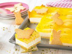 Birnen-Frischkäseschnitten -  Ein cremiger Blechkuchen mit Birnen und knuspriger Dekoration zu Ostern