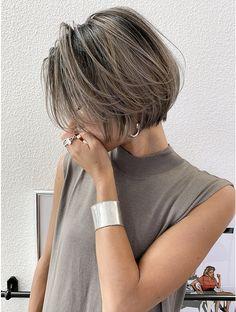 Short Hair Undercut, Short Curly Haircuts, Bob Haircuts For Women, Short Straight Hair, Girl Short Hair, Short Hair Cuts, Shot Hair Styles, Curly Hair Styles, Chin Length Hair