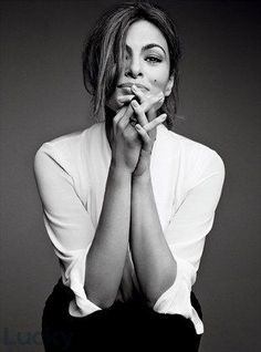 Eva Mendes by Patrick DeMarchelier for Lucky Magazine October 2013 Business Portrait, Corporate Portrait, Foto Portrait, Female Portrait, Portrait Inspiration, Photoshoot Inspiration, Photography Branding, Portrait Photography, Photo Mannequin