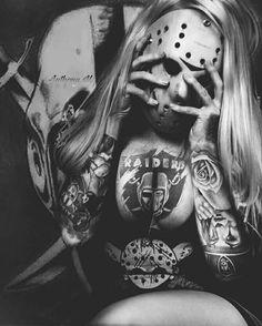 My mood today. Oakland Raiders Logo, Okland Raiders, Raiders Girl, Raiders Stuff, Raiders Vegas, Cholo Art, Chicano Art, Raiders Tattoos, Gangster Girl