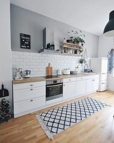 The Perfect Scandinavian Style Home Scandinavian Style Home, Scandinavian Kitchen, Scandinavian Interior Design, Küchen Design, Home Design, Design Ideas, Kitchen Interior, Kitchen Decor, Skandi Kitchen
