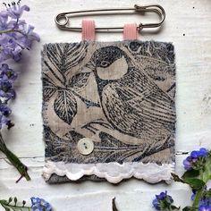 Hand Stitching, Printmaking, Handmade Items, Textiles, Instagram Posts, Prints, Tools, Printing, Fabrics