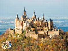 Castelo de Hohenzollern  O Burg Hohenzollern ou Castelo Hohenzollernfica, fica a 50 km de Estugarda. Ele já passou por três construções, a primeira no século XI, dois séculos depois foi destruído, ao final do século XIX foi reconstruído, porém como estava em ruínas, foi destruído e novamente reconstruído
