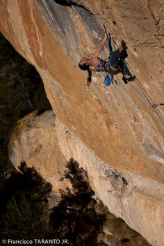 La Reina Mora. Siurana. Alizée Dufraisse. - Not that Rachel would ever want to climb like this, but it sure is awe-inspiring.