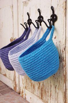 set/3 small hanging baskets door knob basket von simplihomedecor