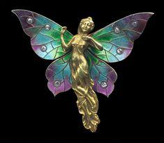 ART NOUVEAU Fairy Brooch / Pendant  Gold Silver Enamel Diamond H: 3.6 cm (1.42 in)  W: 4.2 cm (1.65 in)  Marks: 14K American, c.1905