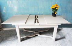 Mesa de madera restaurada by BERKANA