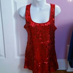 APOSTROFHE TOP Great condition..red. color..no damage.sequins.. Other